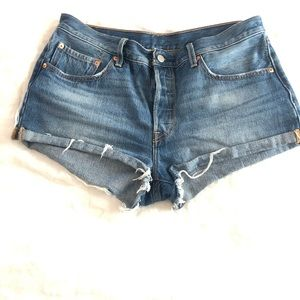 Levi's 501 cutoff shorts